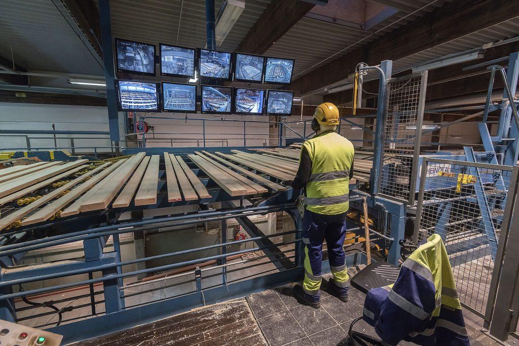 Förhandlingarna fortsätter fortfarande band anant inom den mekaniska skogsindustrin. FOTO JOHANNES TERVO