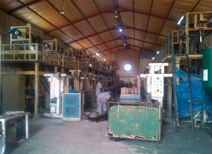 Muovitehtaan olot järkyttävät Mosambikissa