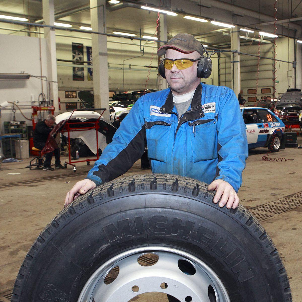 """TOIMIJA: Jukka Sammalniemi: """"Kunnon rengas on halpa henkivakuutus"""""""