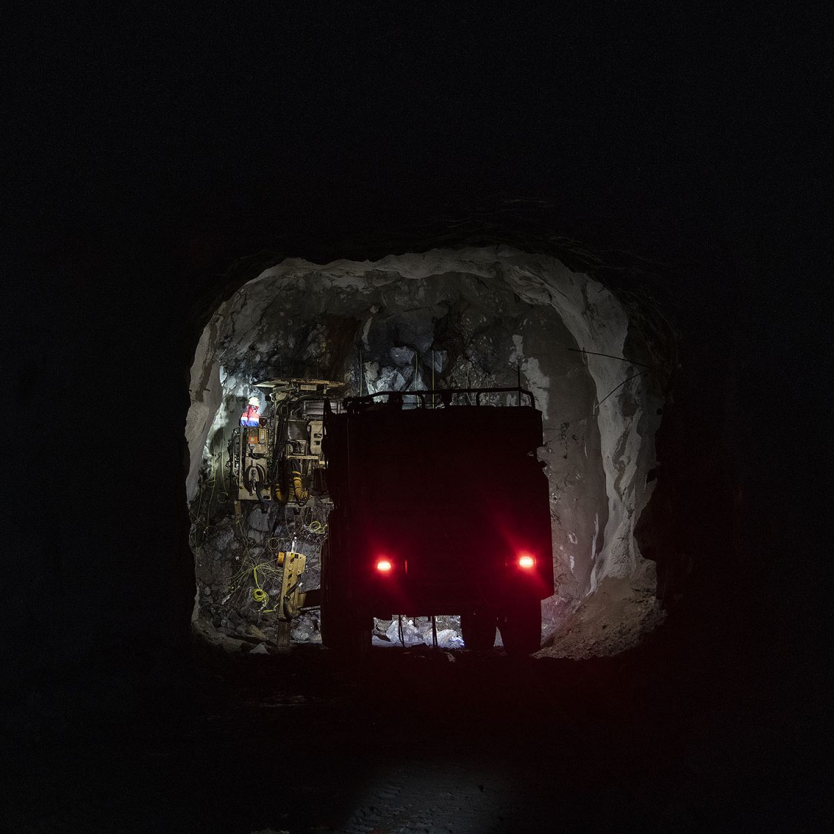 """REPORTAASI: Pyhäsalmen kaivoksen pitkät jäähyväiset – """"Varmaan moni miettii, mitä rupeaisi tekemään, kun on ikänsä ollut täällä"""""""