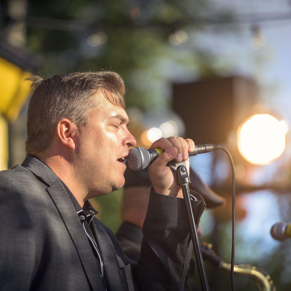 """HARRASTAJA: Rautalankabändin laulaja Marko Iltanen: """"Lauluissamme on kitara, taivas, tähdet ja rakkaus"""""""