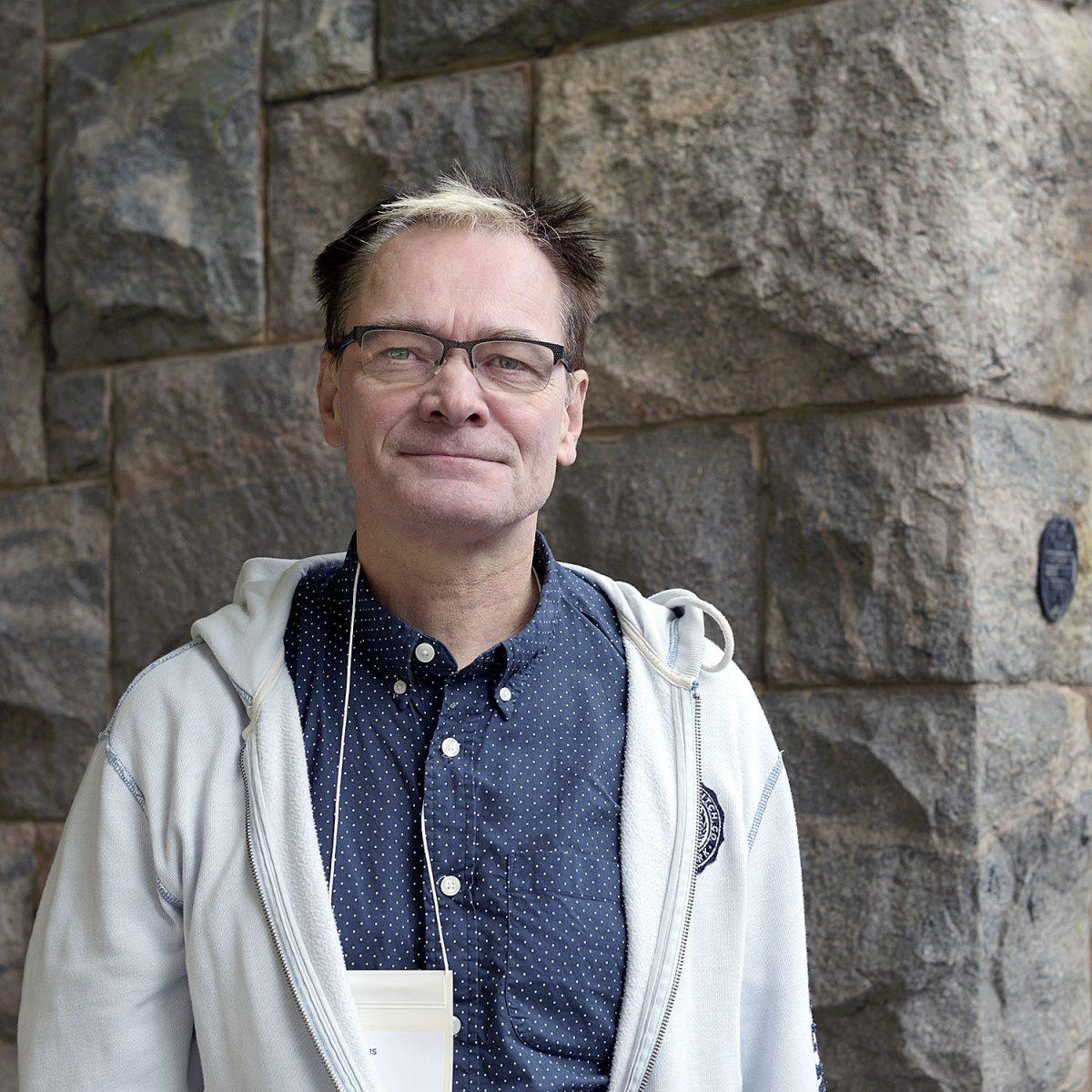 """TOIMIJA: Erkki Mustajärvi: """"Miten me suostuimme kikyyn?"""""""