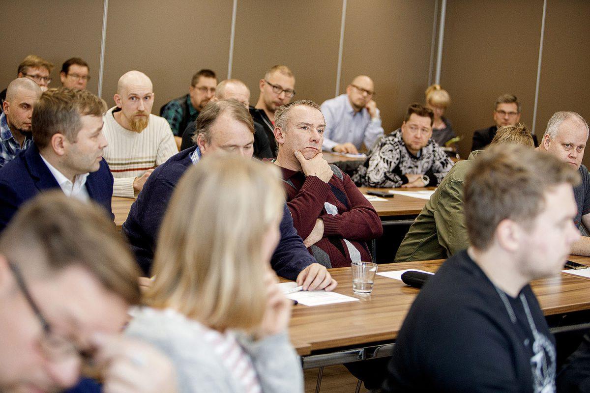 """Jyväskylän verkostotapaaminen osaajia etsimässä: """"Nykynuorille kerrottava teknologia-alan merkityksellisestä työstä"""""""
