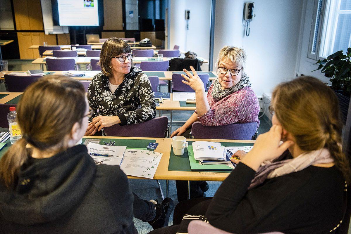 Mistä syntyy työn imu? Oulun ja Lapin jäsenet pohtivat työtä ja viihtyvyyttä Kuusamossa