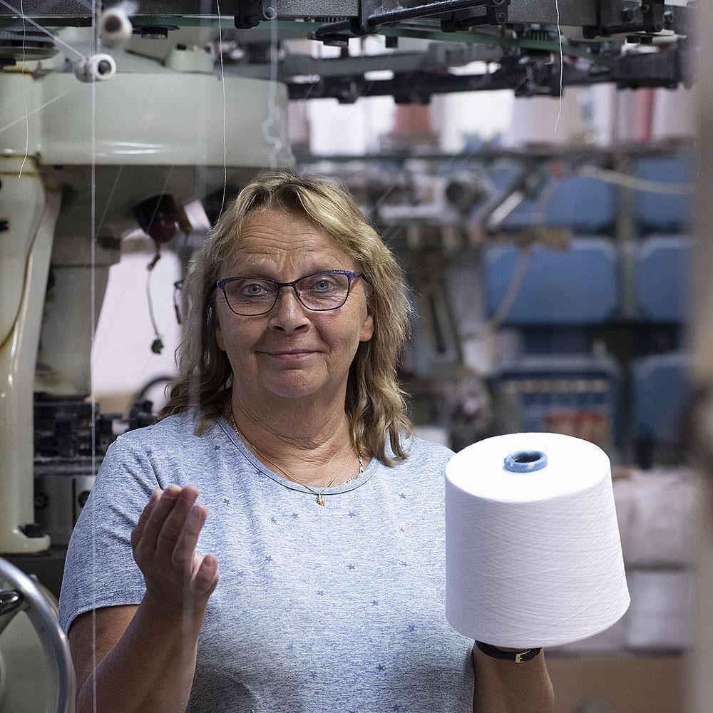 REPORTAASI: Pieni, ketterä ja kotimainen – Tam-Silk pitää yllä suomalaisten alusvaatteiden valmistusta