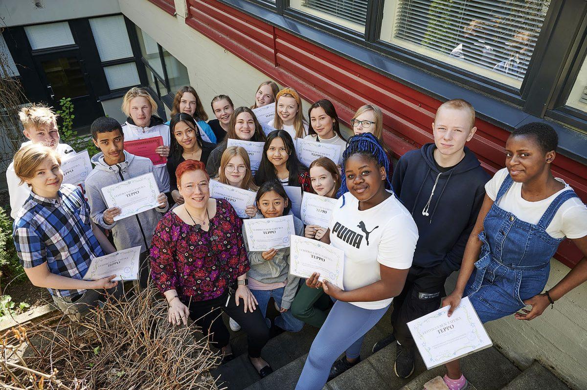 Peruskoulussa ja töissä – Työelämäpainotteinen perusopetus vie yläkoululaisia jo työpaikoille
