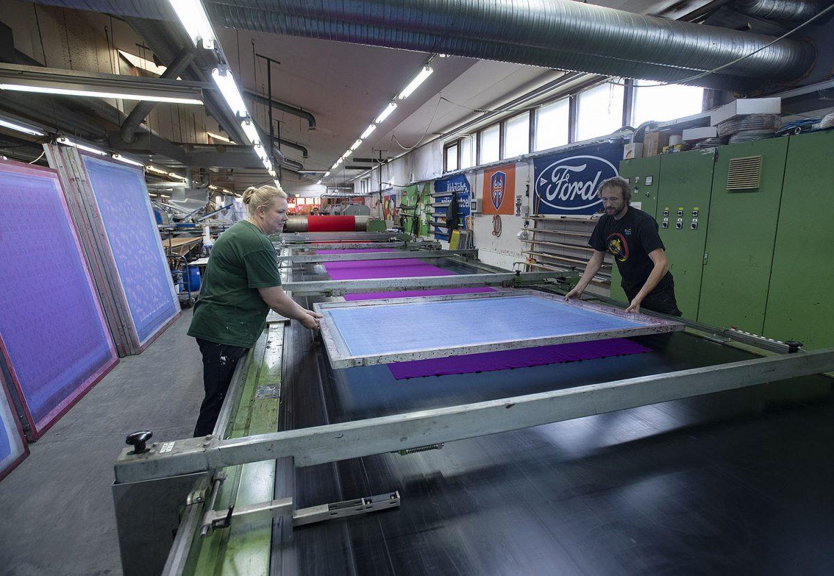 REPORTAASI: Printscorpio – Aitoon ihme, tekstiilejä painava yritys