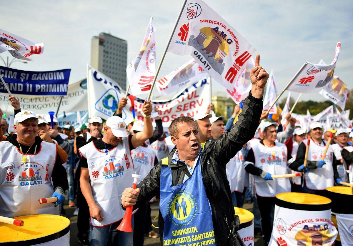 MAAILMA: Työehtosopimusten puuttuminen leikkaa palkkoja