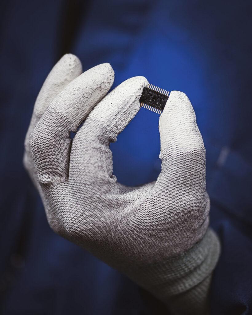 Valmis anturi on kotelo, joka sisältää anturielementit ja älymikropiirit.