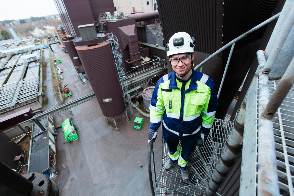 """Niklas Wahlroos arbetsbeskrivning är kort men varierande: """"Jag gör allt som inte elektrikerna gör"""""""